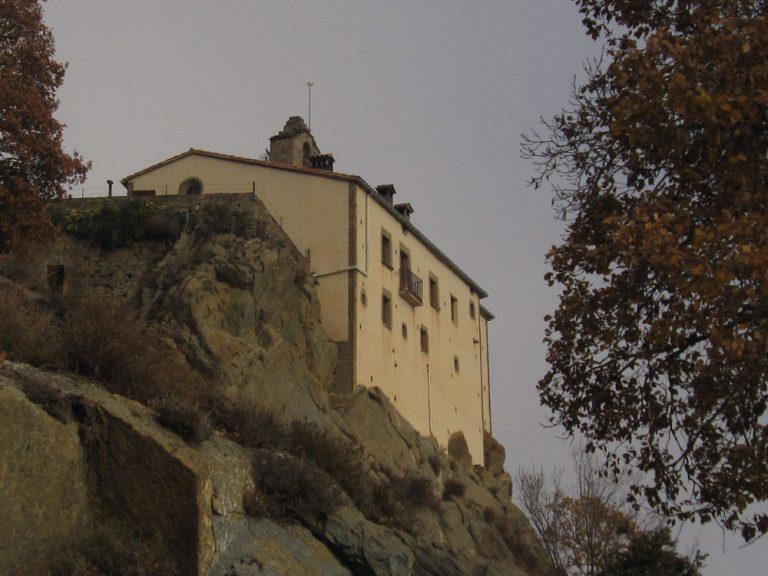 Sant Pere Torellò, Bellmunt (1246 m.), Vidrà.  Por el salt del Molí, y el coll del Malgovern