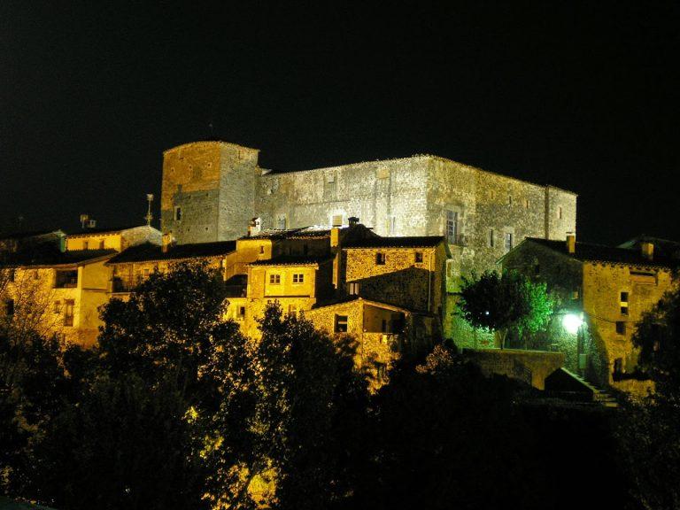 Santa Pau nocturna