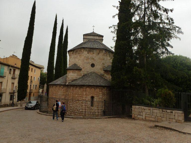 Sant Daniel (Girona ciudad), font dels Capellans, castell de sant Miquel