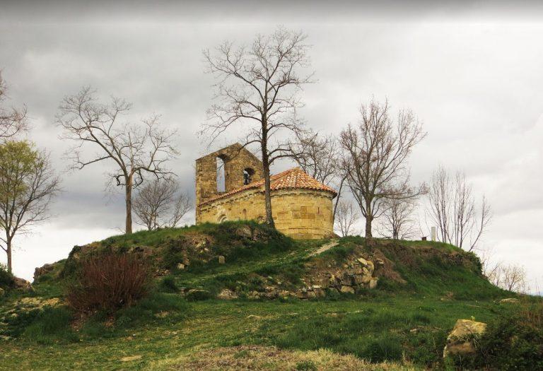 Integral de la serra de Sant Miquel del Mont. Olot, Hostalnou de Bianya