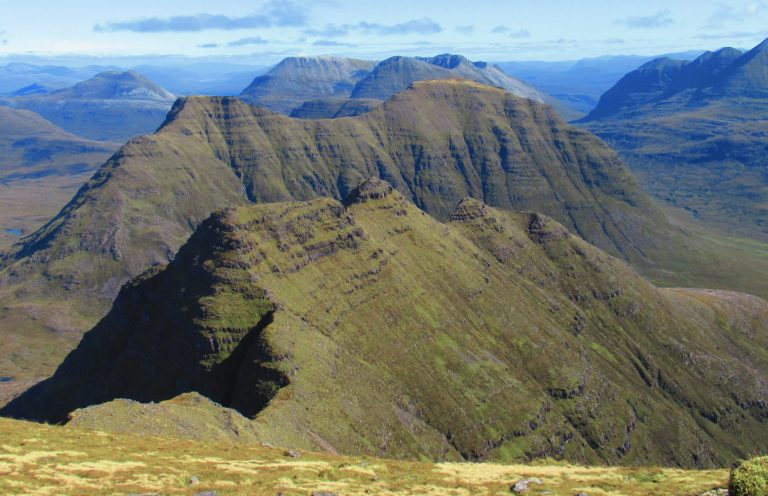 Escocia, Torridon. Beinn Alling (986 m.), Tom.na Gruagaig (922 m.), The Horns