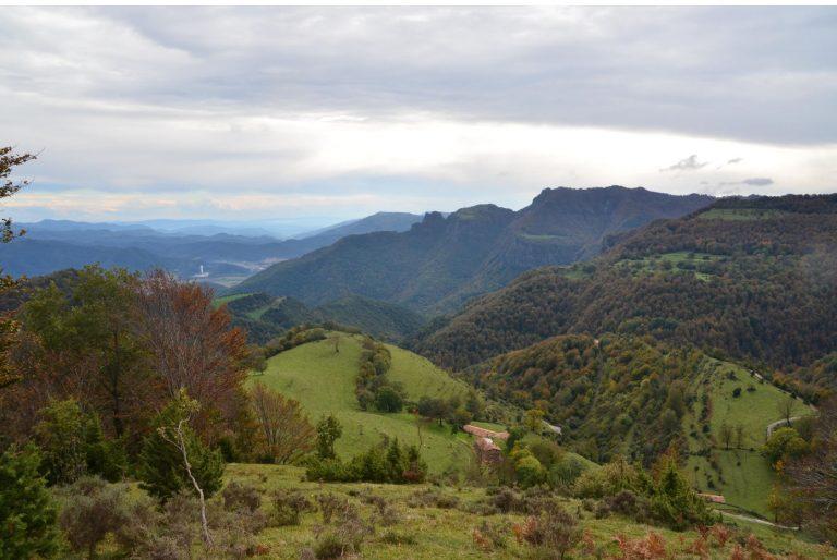 Coll de Canes, Puig de l'Ofrena (1350 m.), Santa Magdalena de Cambrils (1547 m.)