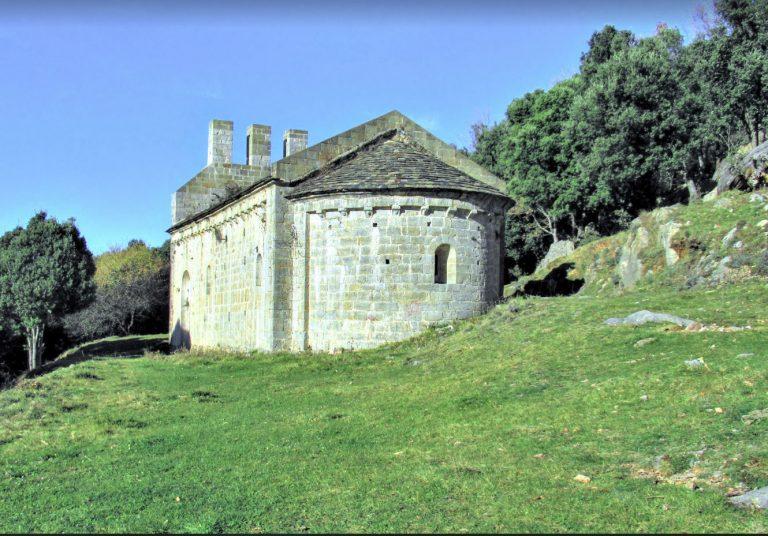 Oix, Castell d'Oix, caminos de les Romegueres, Sant Andreu de Bestracà, Sant Miquel de Pera