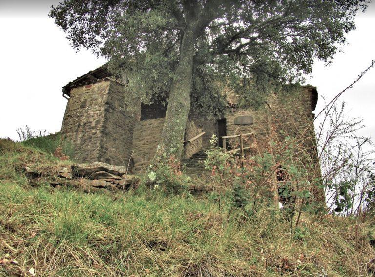 Sant Feliu de Pallerols, Castell d'Hostoles, Sant Salvador, Serra del Conteller