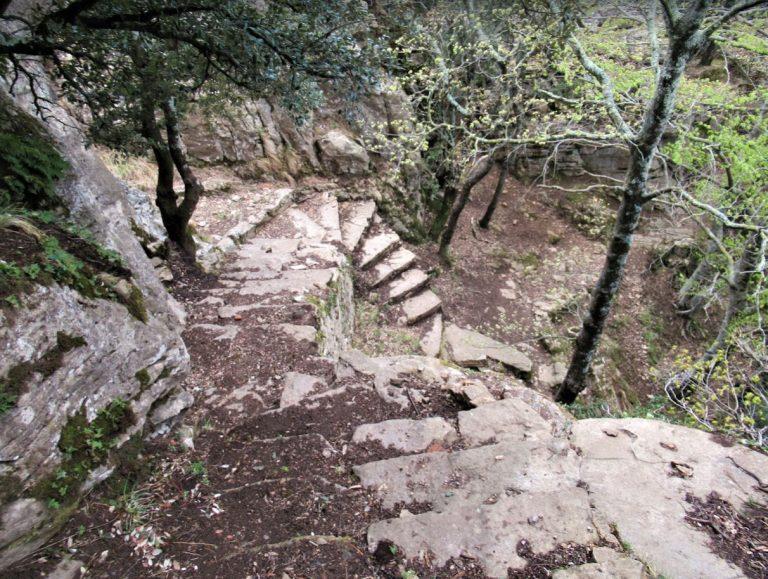 Santa Pau, Coll Maria, Puigsallança, Castell de Finestres, El Clascar, Els Arcs