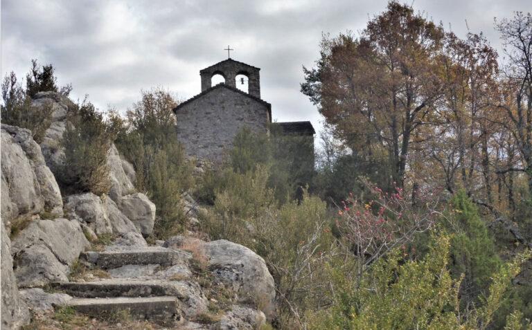 Campdevanol. Ruta Natura Sant Pere d'Aüira (2). Pla de la Tomba, Coll de la Batalla